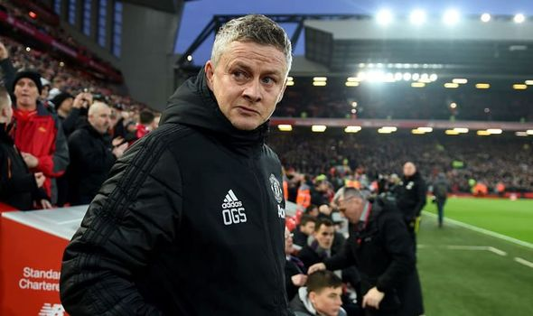 Man-Utd-boss-Ole-Gunnar-Solskjaer-kicked-water-bottles-in-anger-during-Liverpool-defeat-1230583